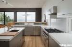 Tủ bếp Acrylic màu xám chữ L có bàn đảo TBT0442