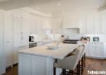 Tủ bếp gỗ Xoan Đào sơn men trắng hình chữ L có đảo TBT0658