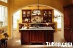 Tủ bếp gỗ Căm xe tự nhiên chữ I có đảo – TBB 1258
