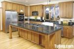 Tủ bếp gỗ Dổi chữ L, có bàn đảo – TBB 1145
