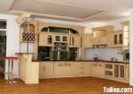 Tủ bếp gỗ tự nhiên sơn men màu trắng kem chữ L có quầy bar – TBB 1197