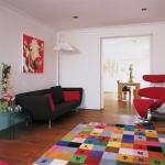 Trang trí phòng khách với màu sắc sống động