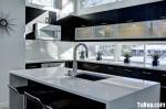 Tủ bếp gỗ công nghiệp Laminate màu đen dạng chữ L có đảo – TBB 1643
