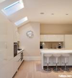 Tủ bếp gỗ công nghiệp Acrylic màu trắng có bàn đảo – TBB 1712