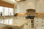 Tủ bếp gỗ Sồi sơn men màu trắng dạng chữ L có bàn đảo- TBB 1725
