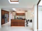 Tủ bếp gỗ công nghiệp Laminate vân gỗ có khung bao tủ lạnh – TBB1848