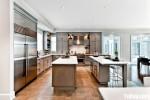 Tủ bếp gỗ Xoan Đào màu vân gỗ chữ L có bàn đảo và hệ khung tủ lạnh – TBT1400