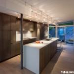 Tủ bếp gỗ Laminate màu vân gỗ chữ I có bàn đảo và hệ tủ khô – TBT1471