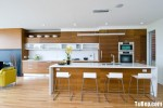 Tủ bếp gỗ Laminate màu vân gỗ chữ I có bàn đảo và hệ tủ khô – TBT1458