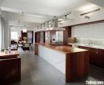 Tủ bếp gỗ Laminate màu trắng kết hợp vân gỗ chữ I có bàn đảo, hệ khung tủ lạnh và hệ tủ khô – TBT1508