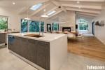 Tủ bếp gỗ công nghiệp Laminate vân gỗ dạng chữ I có bàn đảo – TBB 2134