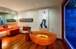 Bồn tắm sắc màu cho phòng tắm thêm bắt mắt