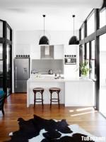 Tủ bếp gỗ công nghiệp Acrylic trắng bóng gương dạng chữ I có bàn đảo hiện đại – TBB 2296