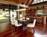 Tủ bếp gỗ căm xe tự nhiên cao cấp có quầy bar cho bếp vườn – TBN4168