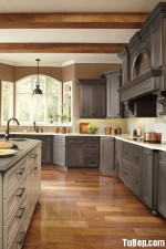 Tủ bếp Bạch tùng tự nhiên cổ điển cao cấp kèm đảo – TBN4414