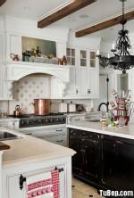 Tủ bếp gỗ tự nhiên sơn men trắng màu sắc nhẹ nhàng tinh tế – TBB 2424