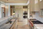 Tủ bếp Picomat vân gỗ sáng hiện đại có đảo – TBN4442