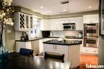 Tủ bếp gỗ tự nhiên sơn men màu trắng phong cách tân cổ điển sang trọng – TBB 2479