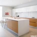 Tủ bếp gỗ Laminate màu trắng kết hợp vân gỗ chữ I có bàn đảo – TBT 2070