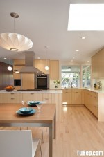 Tủ bếp Laminate dạng chữ L có bàn Bar và hệ tủ kho phong cách hiện đại – TBB 2658