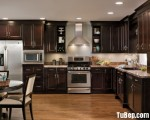 Tủ bếp gỗ căm xe tự nhiên phủ PU cao cấp tộng màu đen sang trọng – TBN4897