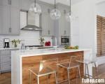 Tủ bếp chất liệu Sồi Mỹ sơn men kết hợp bàn đảo tinh tế – TBN5008