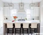 Tủ bếp chất liệu Tần Bì sơn men trắng kết hợp bàn đảo màu nâu ấn tượng – TBN5133