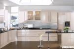 Tủ bếp Acrylic chữ L bóng gương kết hợp hệ khung bao lò nướng độc lập phong cách hiện đại – TBB3324