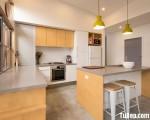 Tủ bếp gỗ Laminate sự kết hợp giữa màu trắng và vân gỗ – TBT2931