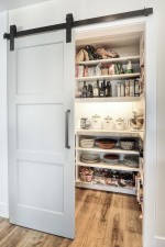 Cửa gỗ trượt giải pháp cứu cánh cho căn bếp nhỏ