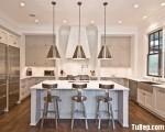 Tủ bếp gỗ Xoan Đào sơn men trắng chữ U kết hợp bàn đảo – TBB3875