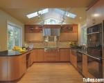Tủ bếp gỗ Laminate màu vân gỗ chữ U hiện đại – TBT3321