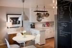 Nhà bếp tiện dụng với cách bố trí móc treo