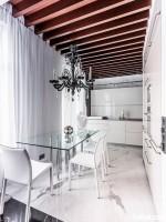 Tủ bếp gỗ Acrylic thiết kế sang trọng hài hòa – TBT3513
