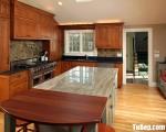 Tủ bếp gỗ Sồi nhập khẩu màu vân gỗ có bàn đảo tiện dụng – TBT3619