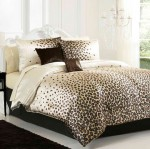 Trang trí phòng ngủ đẹp bắt mắt với họa tiết da beo ấn tượng
