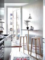 Chọn mẫu bàn ăn đẹp cho nhà chật thêm ấm áp