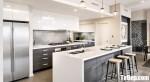 Tủ bếp Acrylic bóng gương phối Laminate chữ I kết hợp bàn đảo phong cách Châu Âu – TBB4282