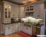Tủ bếp gỗ Tần Bì màu trắng sơn men chữ L – TBT3800