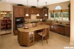Tủ bếp gỗ Căm Xe chữ L mang lại vẻ cổ điển cho không gian bếp – TBB4340