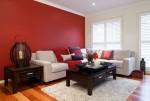 Trang trí phòng khách cực ấn tượng với các gam màu đậm