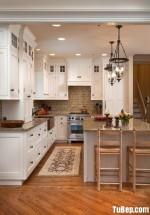 Tủ bếp gỗ Sồi Nga chữ L sơn men trắng sang trọng với thiết kế tinh tế hiện đại – TBB4450