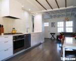 Tủ bếp gỗ Acrylic màu trắng chữ I hiện đại – TBT3235
