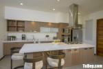 Tủ bếp Laminate vân gỗ nhạt chữ I kết hợp bàn đảo sang trọng – TBB4428