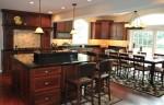 Bộ tủ bếp gỗ sồi Mỹ có tủ kho đẹp được nhiều người yêu thích