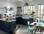 Tủ bếp gỗ Xoan Đào chữ U sơn men xanh phong cách bán cổ điển Châu Âu – TBB4639
