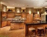 Thiết kế tủ bếp có quầy bar đẹp bằng gỗ sồi Mỹ