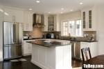 Tủ bếp gỗ Sồi Nga chữ L sơn men trắng + bàn đảo phong cách Châu Âu – TBB4651