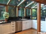 Tủ bếp gỗ Sồi thiết kế chữ L màu trắng sơn men – TBT3621