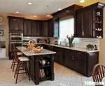 Tủ bếp gỗ Căm Xe tự nhiên sơn PU dạng chữ L + bàn đảo phong cách cổ điển – TBB4850